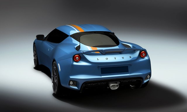 Lotus fans give Evora 400 an Exclusive iconic racing colour scheme
