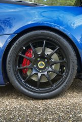 Lotus Exige Cup 380 rear wheel (8).jpg